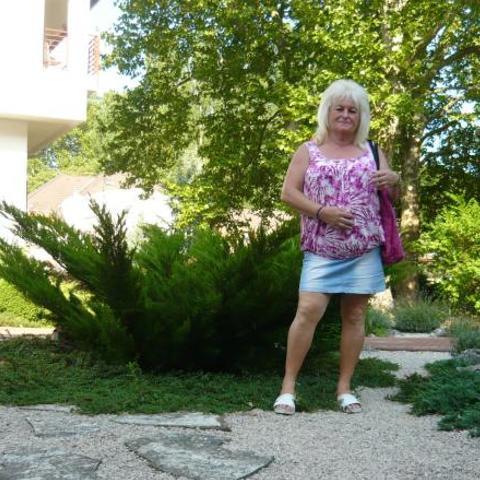 Magdolna, 59 éves társkereső nő - Szekszárd