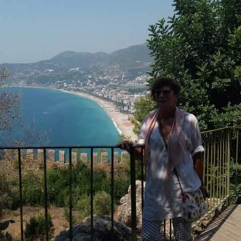 Aranka, 63 éves társkereső nő - Szeged