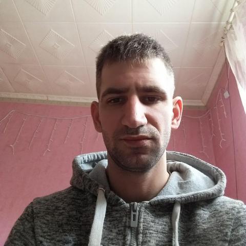 Tomi, 35 éves társkereső férfi - Salgótarján
