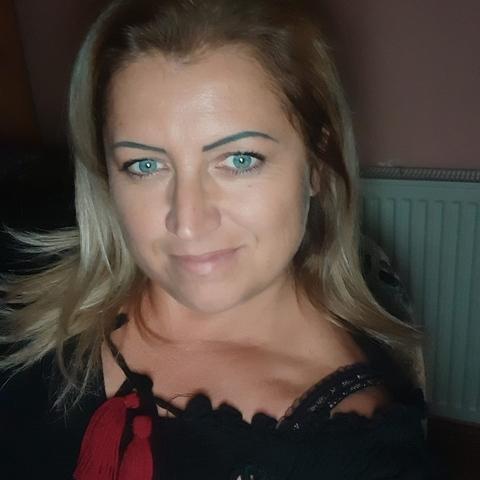 Szilvia, 42 éves társkereső nő - Balatonalmádi