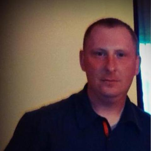 Imre, 38 éves társkereső férfi - Szakcs