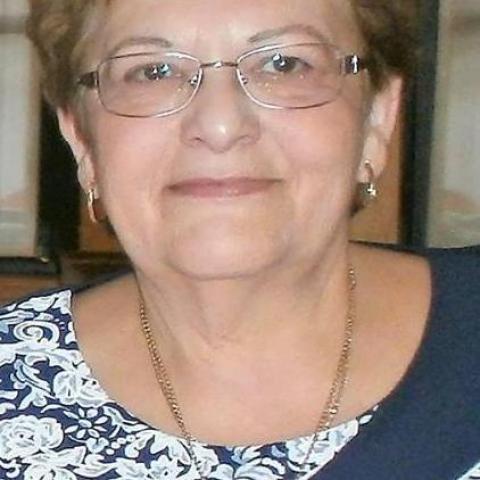 Zsuzsa, 63 éves társkereső nő - Pilismarót