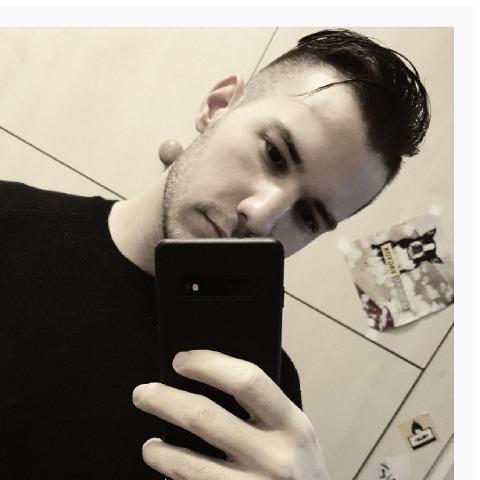 Gábor, 21 éves társkereső férfi - Szeged