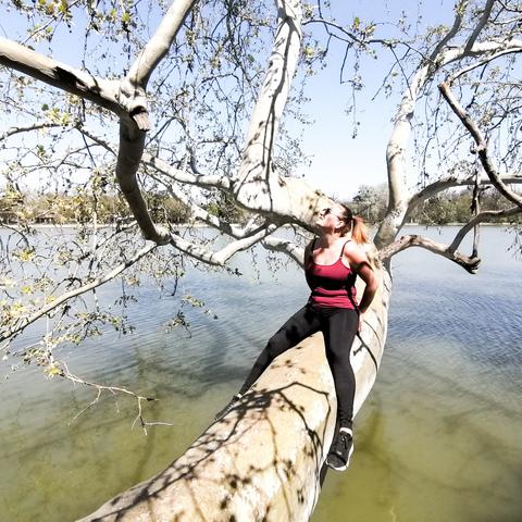 Niki, 25 éves társkereső nő - Csetény