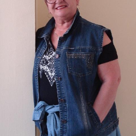 Marcsi, 63 éves társkereső nő - Szeged