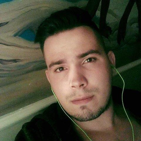 Márk, 26 éves társkereső férfi - Pécel