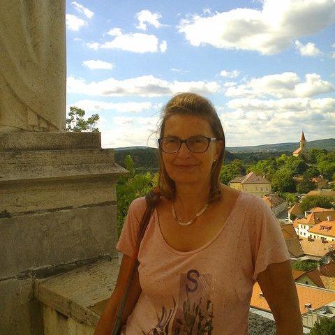 zsuzsanna, 62 éves társkereső nő - Dunakeszi