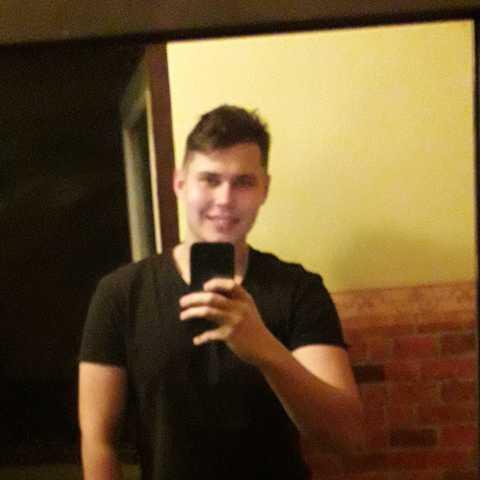 Jani, 22 éves társkereső férfi - Nyíregyháza
