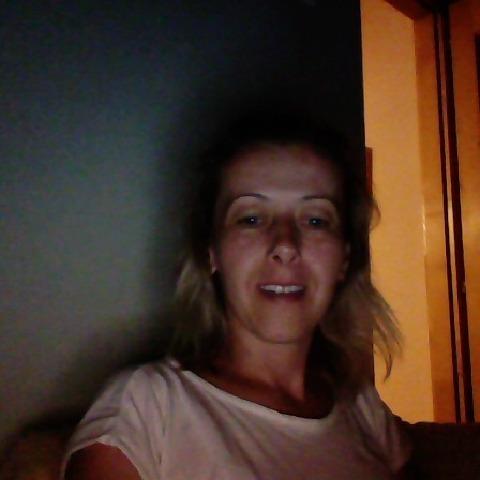 Bernadett, 40 éves társkereső nő - Gyöngyös