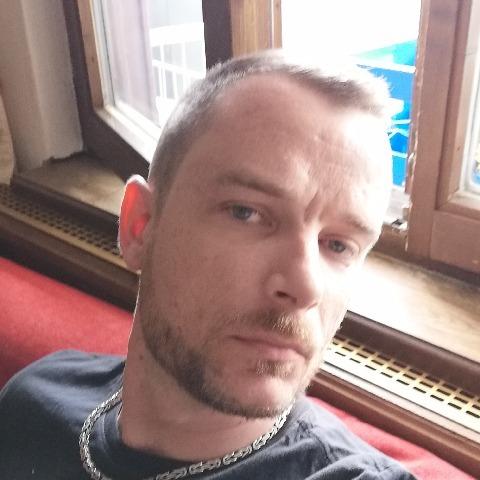 András , 36 éves társkereső férfi -