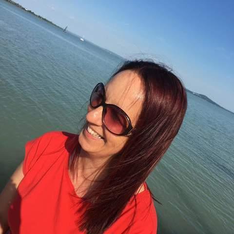 Krisztina, 45 éves társkereső nő - Keszthely
