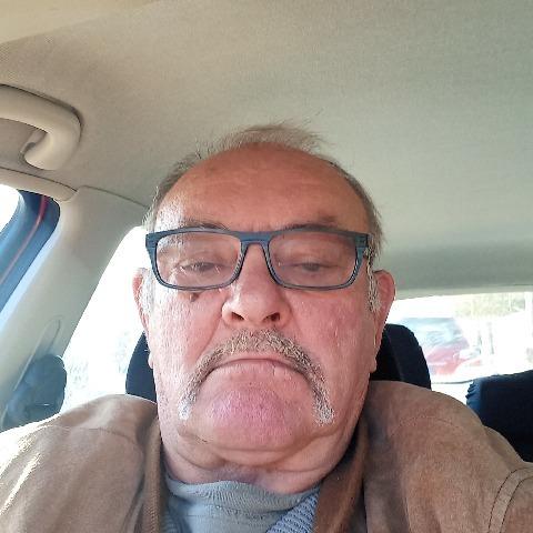 Jozsef, 71 éves társkereső férfi - Domaszék