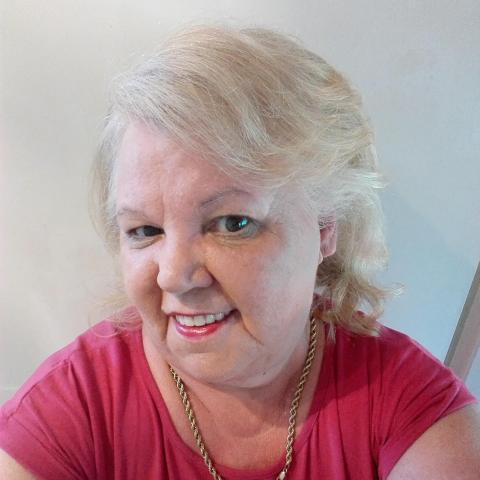 Zsuzsi, 67 éves társkereső nő - Lajoskomárom