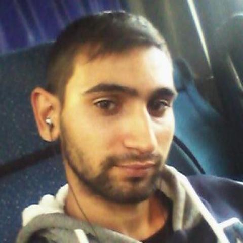 Ádám, 22 éves társkereső férfi - Kálló