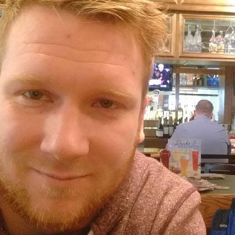 Zoltán , 31 éves társkereső férfi -