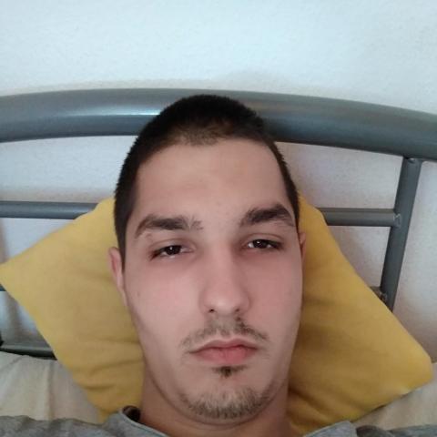 Krisztofer, 23 éves társkereső férfi - Nagyoroszi