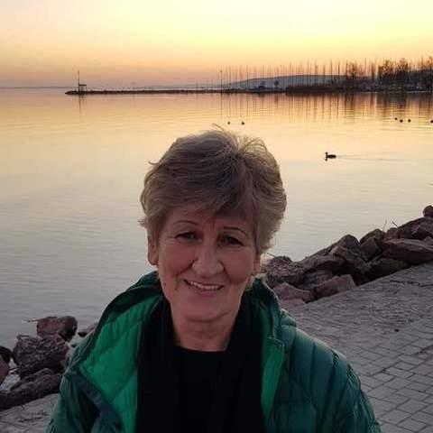 Erzsi, 65 éves társkereső nő - Balatonkenese