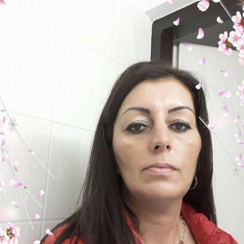 Csilla, 48 éves társkereső nő - Miskolc