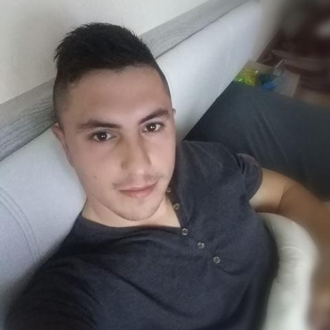 Miklos, 27 éves társkereső férfi - Adony