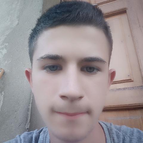 Józsi, 18 éves társkereső férfi - Debrecen