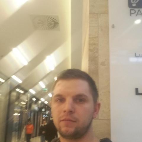 Robi, 28 éves társkereső férfi - Szécsény