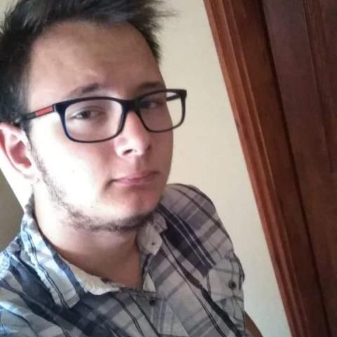 Skylon, 19 éves társkereső férfi - Debrecen