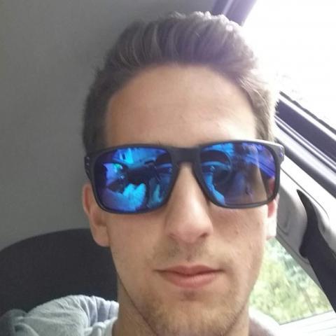 Krisztián, 25 éves társkereső férfi - Zalaegerszeg