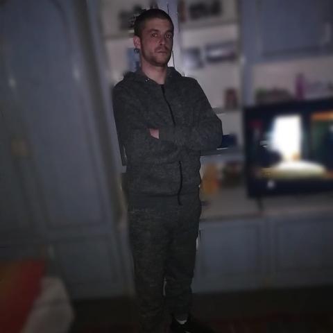 Zsolti, 28 éves társkereső férfi - Endrefalva