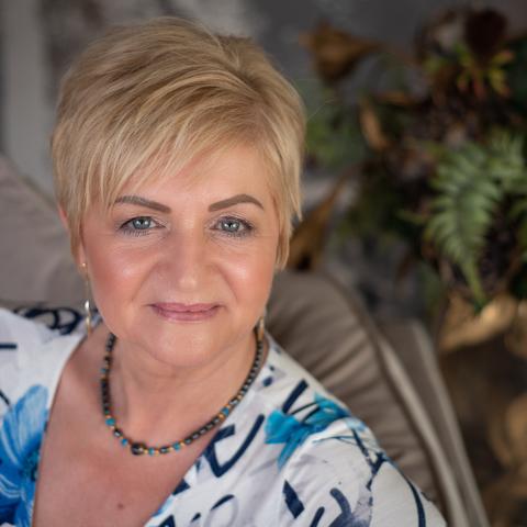 Gréta, 58 éves társkereső nő - Szentendre