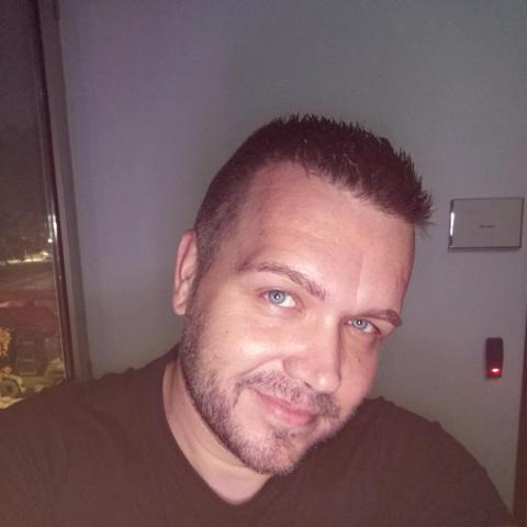 János, 40 éves társkereső férfi - Ózd