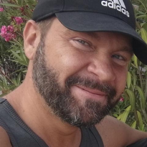 Zsolt, 44 éves társkereső férfi - Komárom