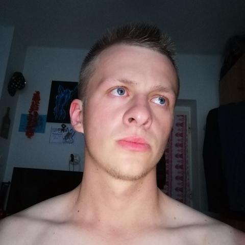 István, 21 éves társkereső férfi - Simonyi