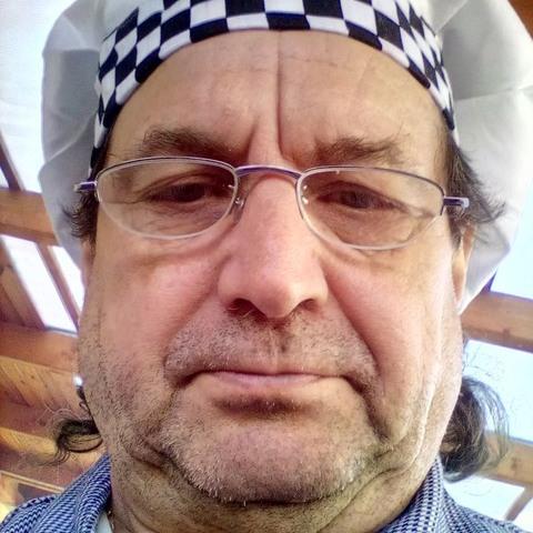 Váradi, 62 éves társkereső férfi - Jármi