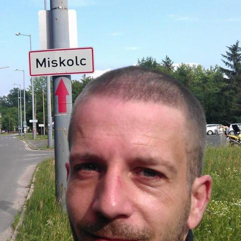 kzoli44 társkereső férfi, 43 éves, Tököl