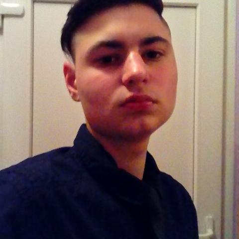 János, 24 éves társkereső férfi - Makó