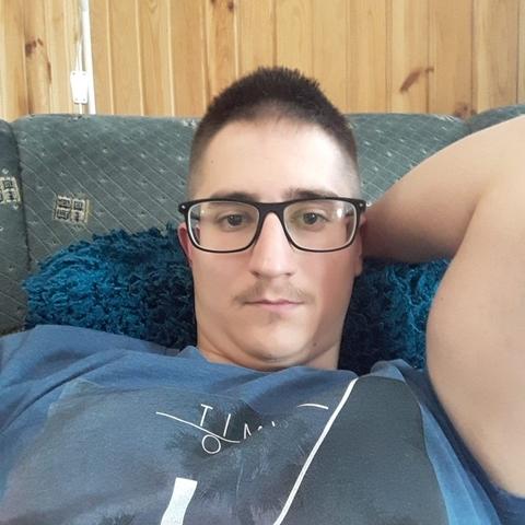 Ákos, 22 éves társkereső férfi - Sátoraljaújhely