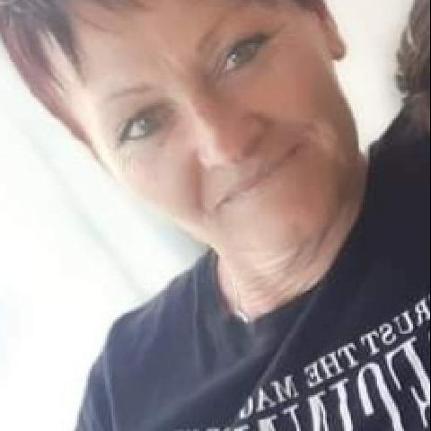 Kriszti, 48 éves társkereső nő - Nemeshany