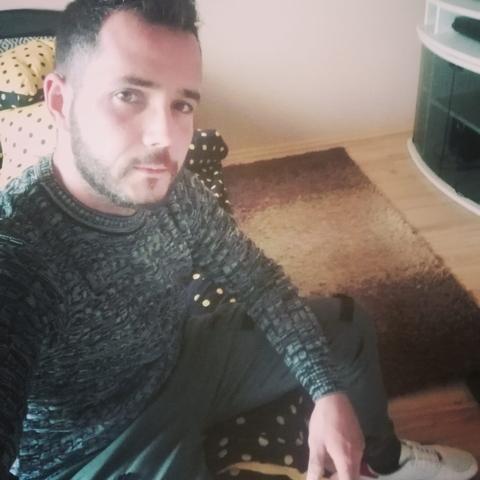 Tomi, 30 éves társkereső férfi - Szécsény