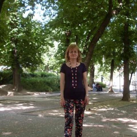 Erzsi, 68 éves társkereső nő - Pécs