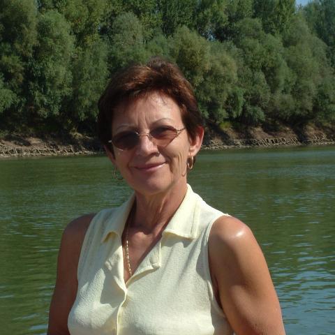 Kati, 68 éves társkereső nő - Tiszakécske