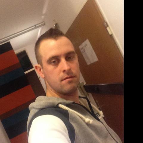 Tibor, 31 éves társkereső férfi - Palotás