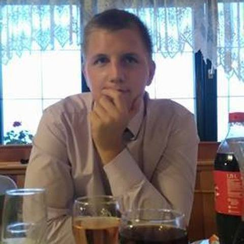 Péter, 24 éves társkereső férfi - Pereszteg