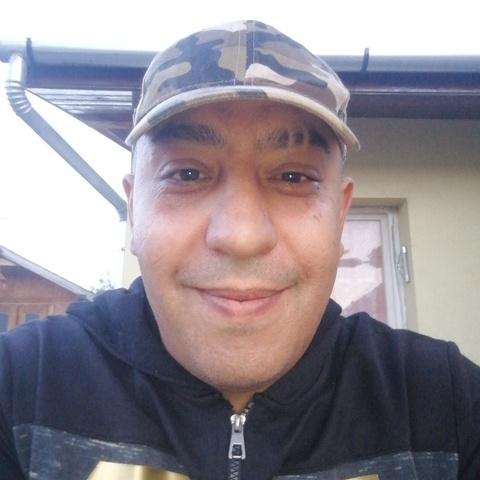 Robert, 41 éves társkereső férfi - Romhány