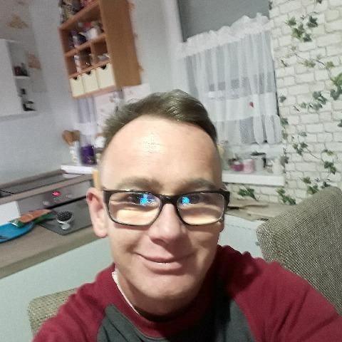Krisztian, 39 éves társkereső férfi - Tolna