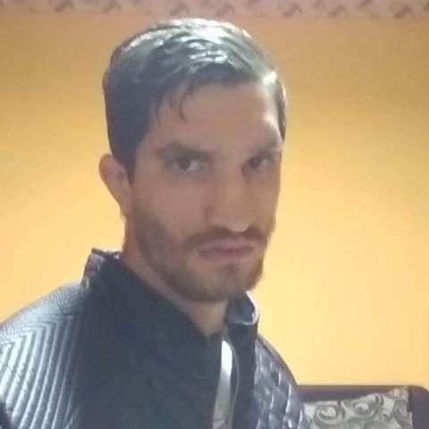 Krisztián, 27 éves társkereső férfi - Tura