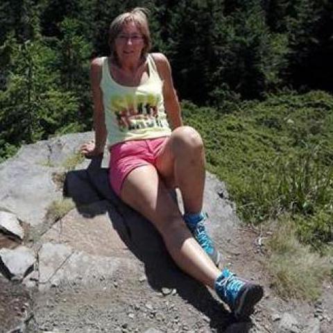 Andrea, 53 éves társkereső nő - Győrújbarát