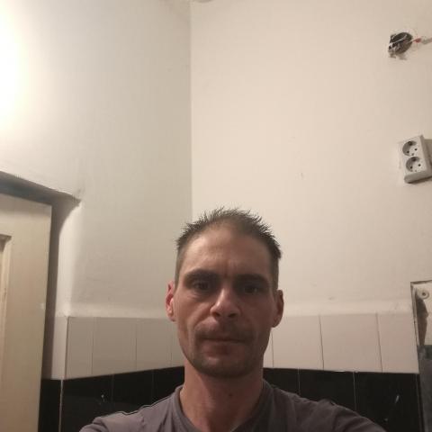 Jano, 41 éves társkereső férfi - Debrecen
