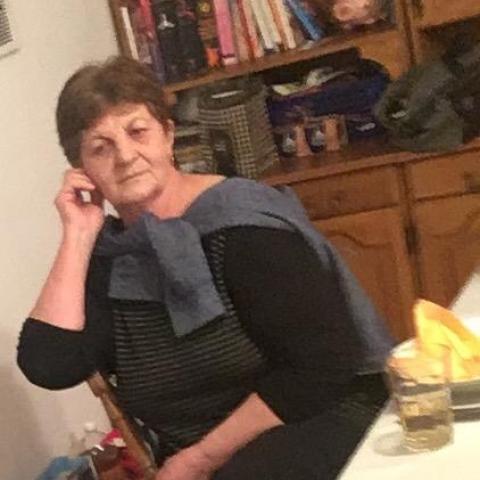 Éva, 71 éves társkereső nő - Szekszárd
