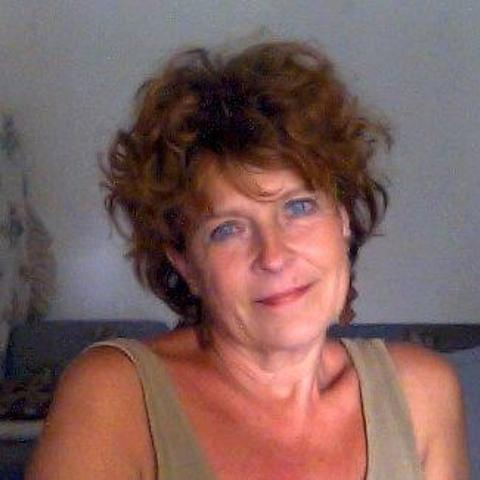 Edit, 62 éves társkereső nő - Pusztahencse
