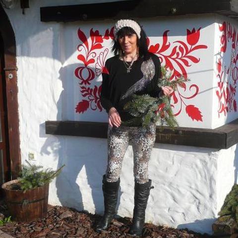 Valeria, 65 éves társkereső nő - Győr